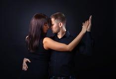 夫妇跳舞年轻人 免版税图库摄影