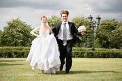 夫妇连续婚礼 免版税库存照片