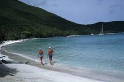 夫妇退休的假期 免版税库存照片