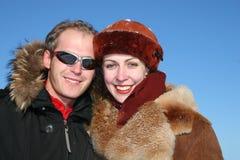 夫妇面对冬天 免版税库存照片