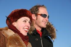 夫妇面对配置文件冬天 库存照片