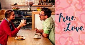 夫妇饮用的咖啡和华伦泰词的综合图象 免版税库存图片