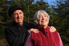 夫妇高级设置森林地 库存照片