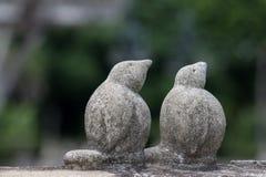 夫妇鸟雕象 库存照片
