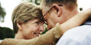 夫妇统一性约会放松爱概念 库存图片