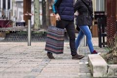 夫妇购物 免版税库存图片