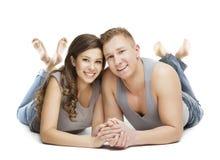 年轻夫妇画象,愉快的女孩男朋友,手拉手 库存图片