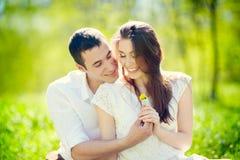 年轻夫妇 免版税图库摄影
