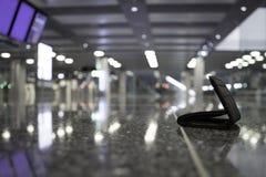 失去的钱包在机场 库存图片