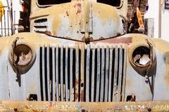 失败的古色古香的卡车 图库摄影
