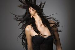 头发长的妇女年轻人 免版税库存照片