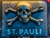 头骨和骨头st pauli汉堡 库存照片