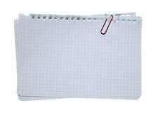 夹子被堆积的便条纸红色 免版税库存照片