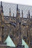 夺取圣Vitus大教堂的部分垂直的框架 免版税库存图片
