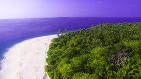 夺取海滩在马尔代夫 免版税库存照片