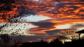 奇怪的云彩在夏天 库存图片