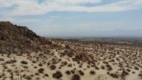 奇怪的岩层在加利福尼亚沙漠  股票录像
