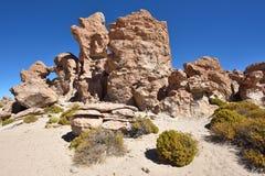 奇怪的岩层在Altiplano,玻利维亚 库存图片