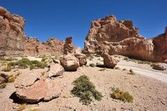 奇怪的岩层在Altiplano,玻利维亚 免版税图库摄影