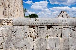 奇琴伊察从状况法院的城堡视图 免版税库存图片