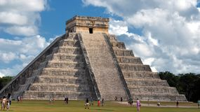 奇琴伊察:墨西哥的玛雅废墟 库存图片