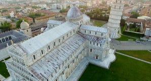 奇迹地标正方形顶上的鸟瞰图在比萨,它 免版税库存照片