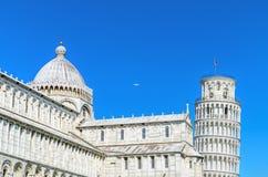 从奇迹正方形的著名地标比萨塔视图 意大利比萨 免版税库存照片