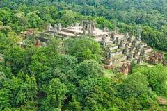 奇迹Phnom Bakheng吴哥窟暹粒市柬埔寨王国  库存照片