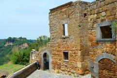 奇维塔di banioregio废墟 免版税库存图片