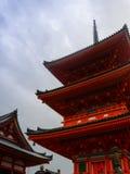 奈良,日本11月23日:很多人参观清水寺Te 免版税库存照片
