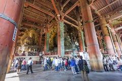 奈良,日本- 5月11 :了不起的菩萨在onMay Todai籍的寺庙 库存照片