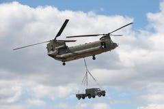 契努克族直升机 免版税库存照片