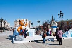 索契奥林匹克的标志在Manezh广场的在2013年4月13日的莫斯科在莫斯科 图库摄影