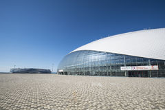 索契,俄罗斯- 7月6 :Bolshoy 2016年6月06日的冰圆顶在索契,世界唱诗班比赛的俄罗斯 图库摄影