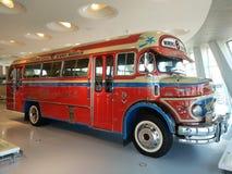 奔驰车博物馆,Germany_Antique红色学校班车 免版税库存图片