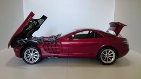 奔驰车迈凯轮SLR模型汽车 免版税库存照片