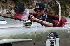 奔驰车190在一辆老赛车的SL 1955年在集会Mille Miglia 2017年 免版税库存图片