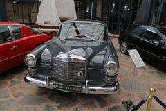 1966年奔驰车200 库存照片