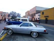 奔驰车450SL,利马的美国版本 图库摄影