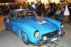 奔驰车300 SL coupè在1000英里的W198L 1955年,赛跑 库存照片