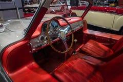 奔驰车300 SL W198的客舱 库存图片