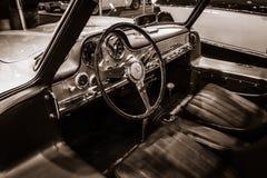 奔驰车300 SL W198的客舱 免版税库存图片