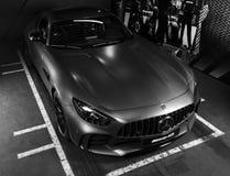 奔驰车AMG广义相对论2018年V-8 Biturbo外部细节 轮胎和合金轮子 碳陶瓷闸 汽车外部细节 投反对票 库存照片