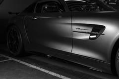 奔驰车AMG广义相对论2018年V-8 Biturbo外部细节 轮胎和合金轮子 碳陶瓷闸 汽车外部细节 投反对票 免版税库存图片