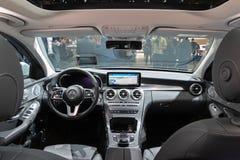 奔驰车C级混合动力车辆内部 库存图片