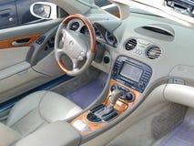 奔驰车SL550的里面看法在利马 免版税库存照片