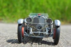 奔驰车SSKL减速火箭的赛跑的车的正面图 库存照片