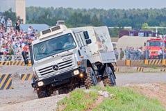 奔驰车Unimog U4000卡车 库存照片