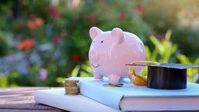 奖学金和教育的财务 在教育概念的投资 库存图片