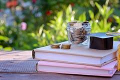 奖学金和教育的财务 在教育概念的投资 免版税图库摄影